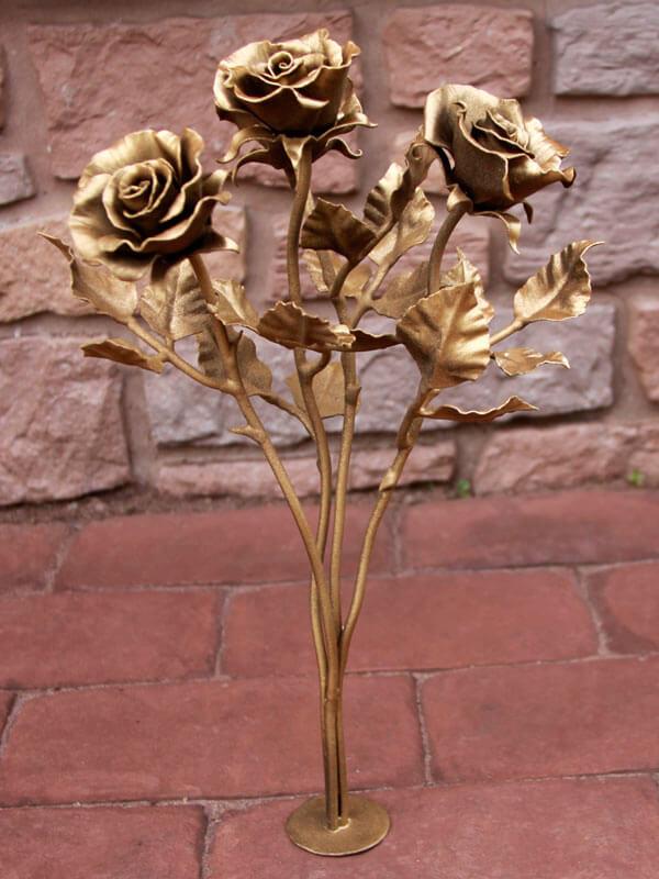 Медные ритуальные розы для вазы